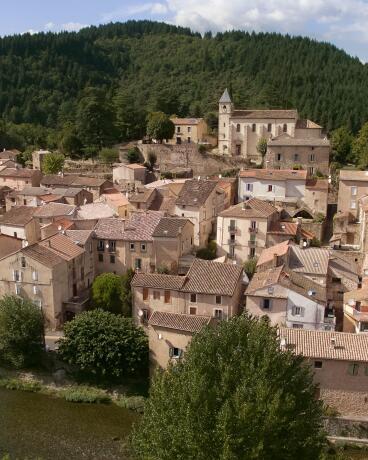av_instit-village-drone-view-hdrvb-square