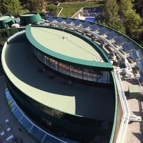 AV_instit-hotel-solar-panels-hd