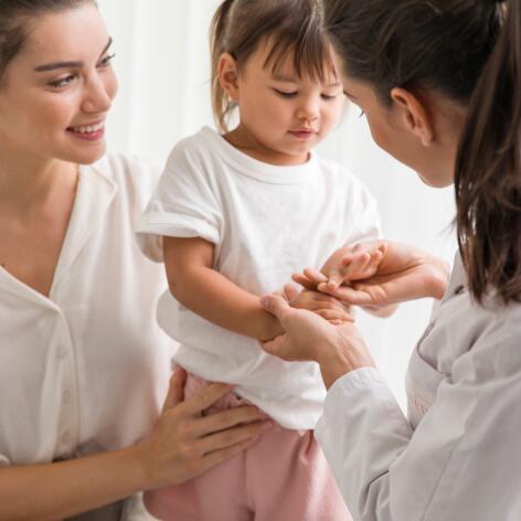 av_instit-child-patient-doctor-hdrvb