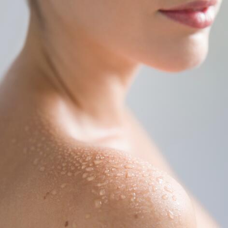 av_instit-thermal-water-skin2-hdrvb-square