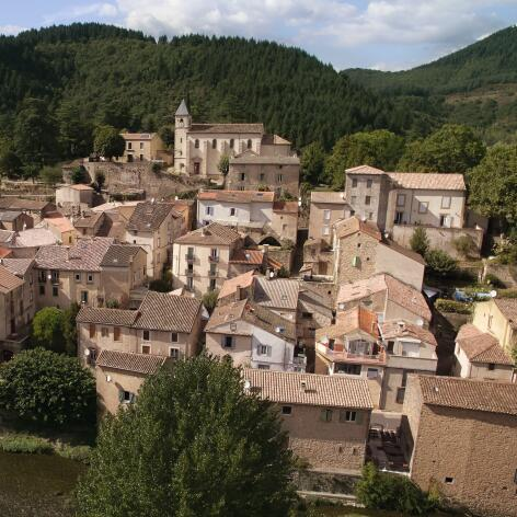 AV_instit-village-drone-view-hd