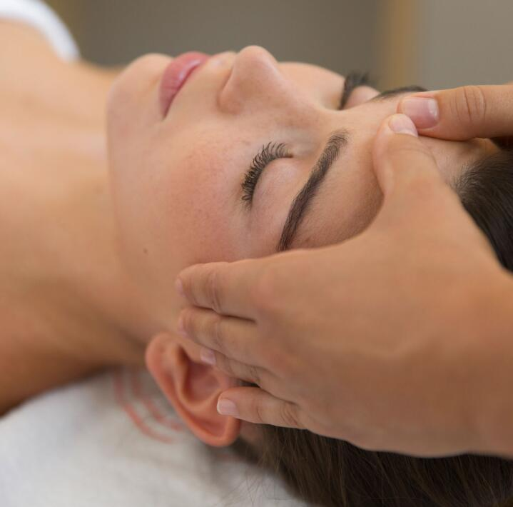 av_instit-sensicure4-face-massage-hdrvb_1x1