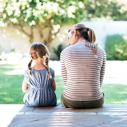AD_ATOPIC-DERMATITIS_MOTHER-AND-DAUGTHER_LARGE_2021