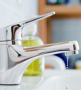 kl_source_photo_green_tips_savewater_water_leak_oct20