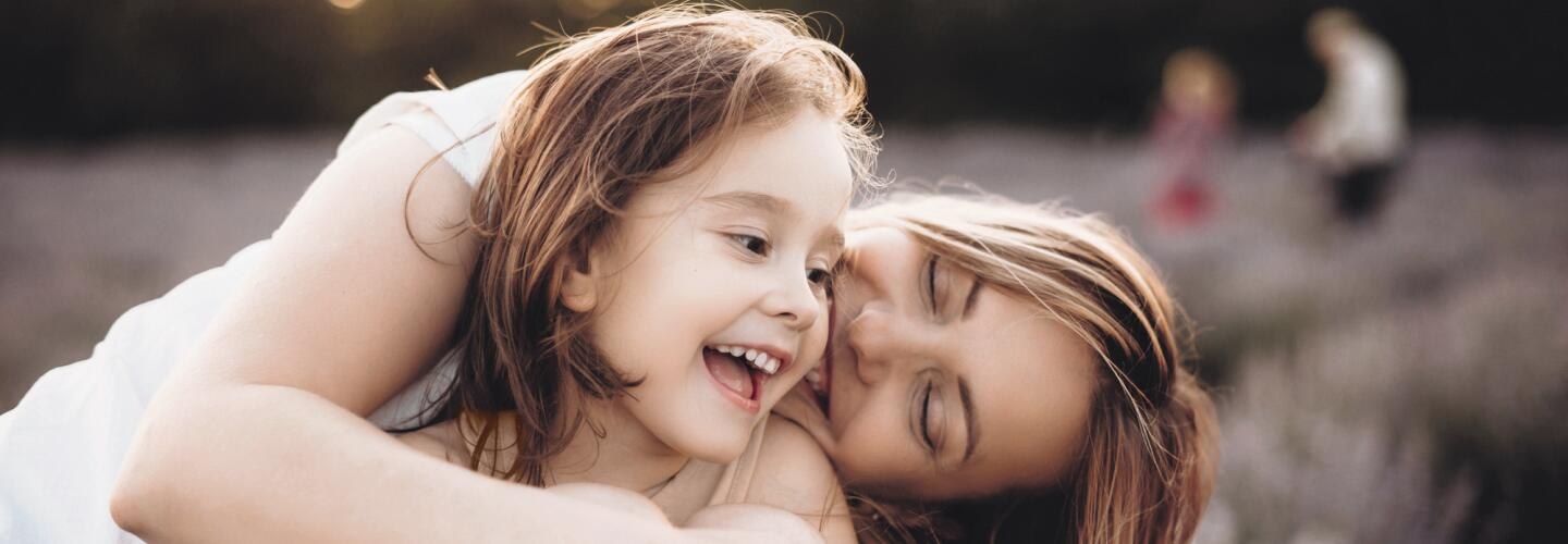 AD_LIFE-MOMENTS_MOTHER-CHILD-PARC-NATURE_LARGE_2021