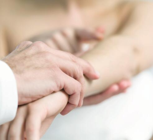 AD_DERMATOLOGICAL-EXPERTISE_SKIN-CONSULTATION-ARMS-HANDS_LARGE_2021