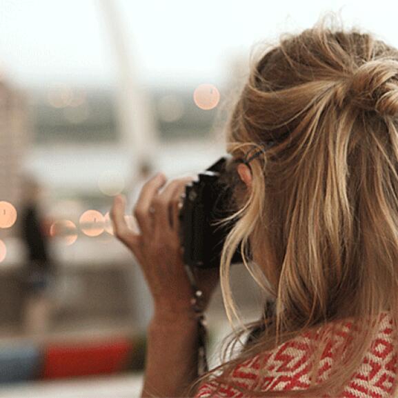 RF_website_expert-dossier-blond-hair_techniques_lightening-without-bleaching_804x446