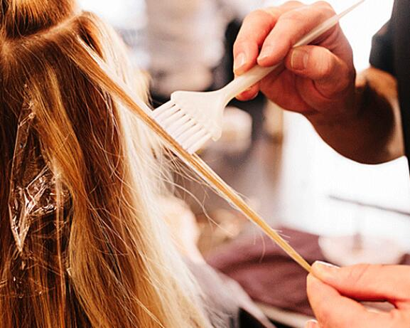 RF_website_expert-dossier-blond-hair_techniques_how-is-balayage-done_804x446