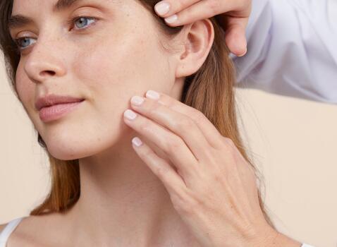 AV_ Sun Care_Children Spray 50-_2_Social_3282770202090_LD