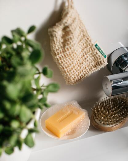kl_hair_mango shampoo bar_picture_lifestyle_sisal_2021
