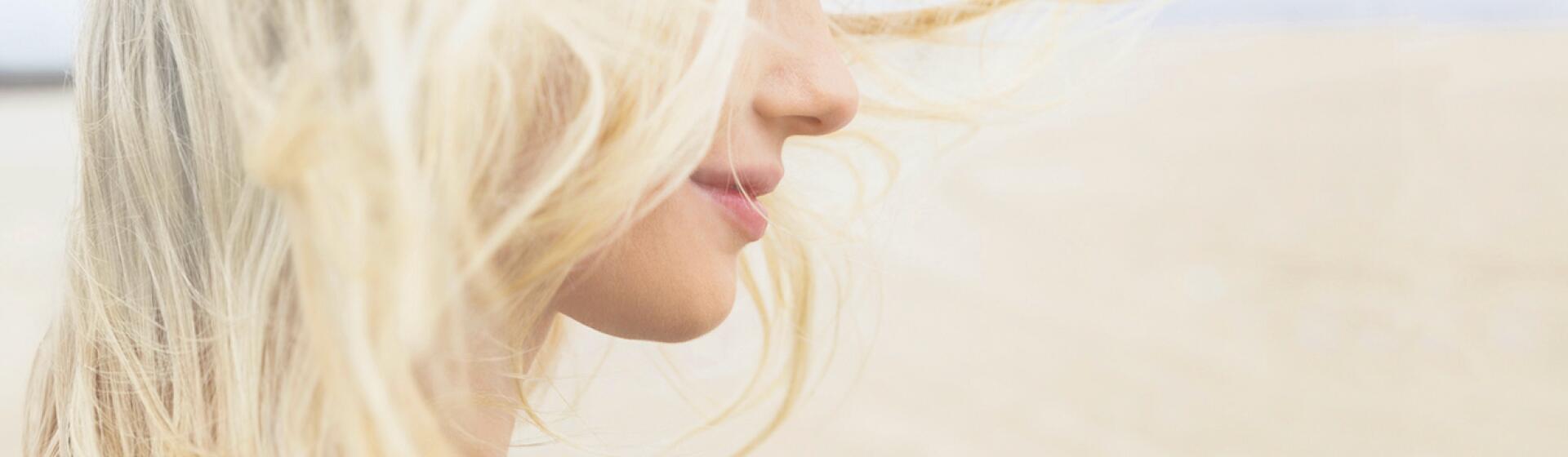 RF_Expert-dossier_Dry-hair_Blond-hair-Woman_Copyright-free (5)