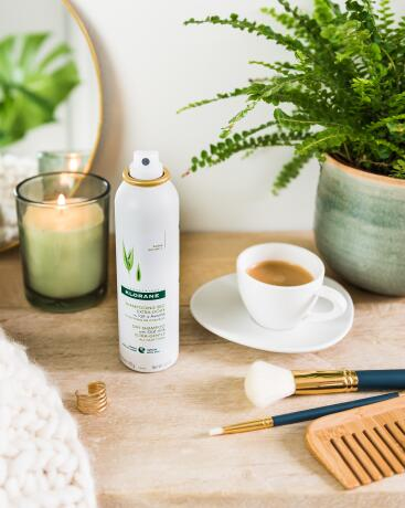 kl_hair_oat dry shampoo_picture_lifestyle_2020