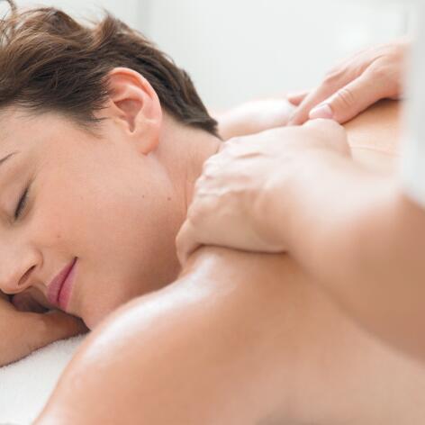 av_peau-cancer_soins-dermocosmetiques_massage_1x1